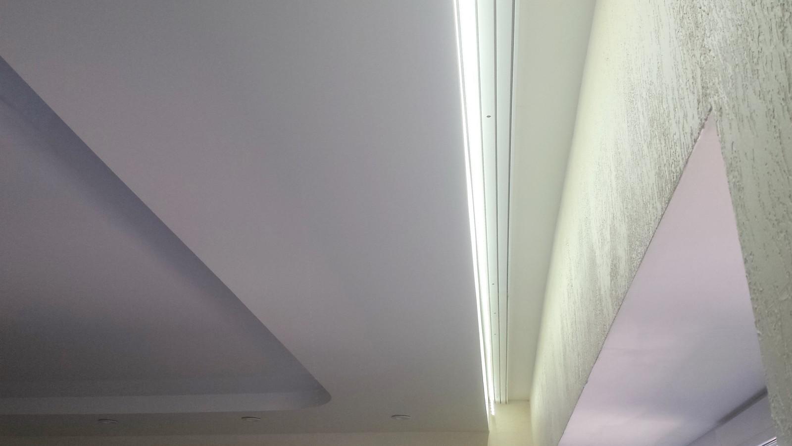 Как сделать потолок с подсветкой из-за карниза7