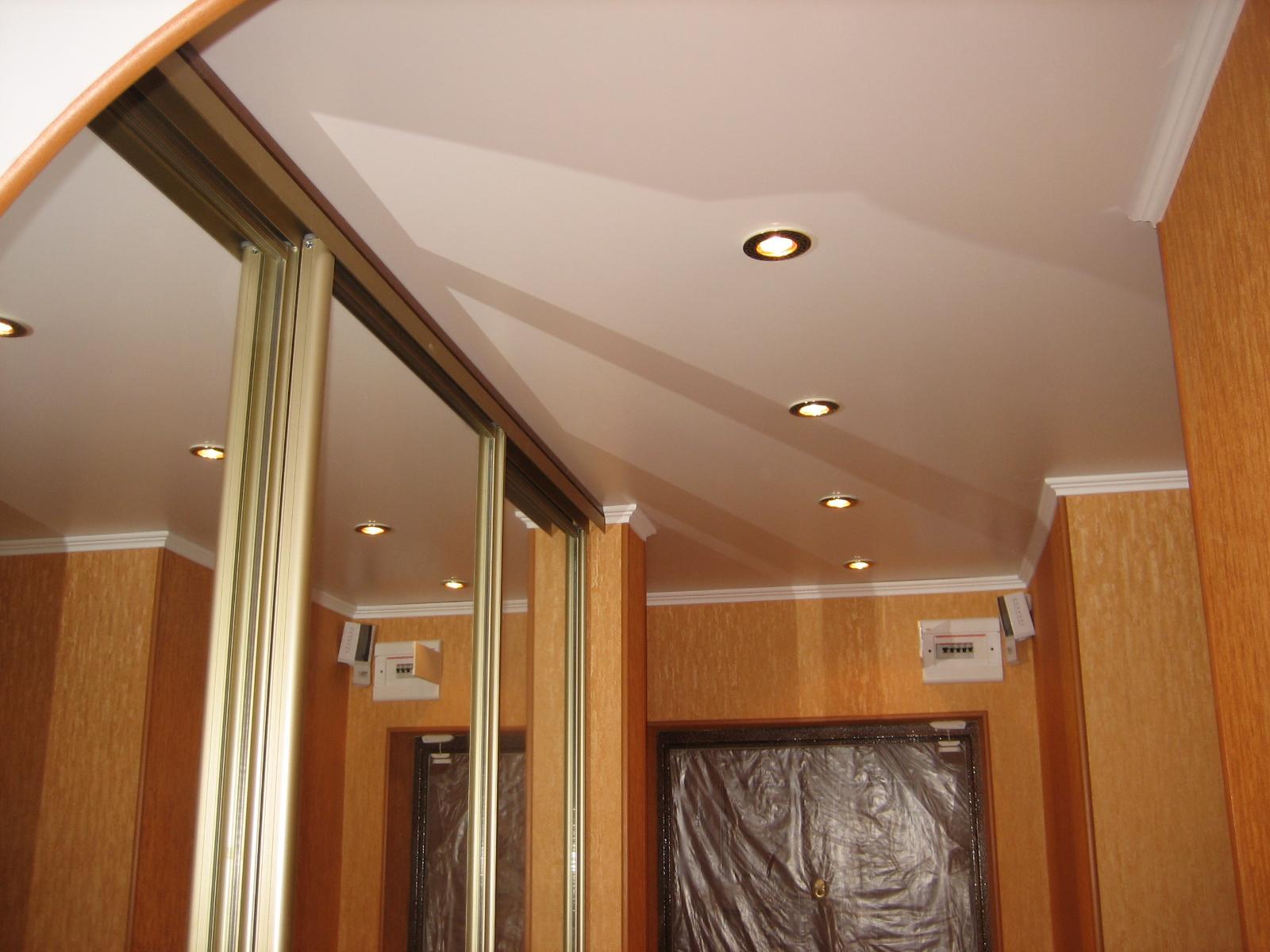 натяжной потолок и встраиваемый шкаф купе (1)