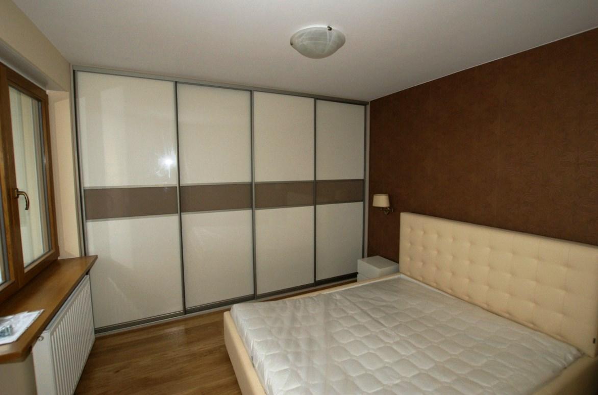 натяжной потолок и встраиваемый шкаф купе (3)